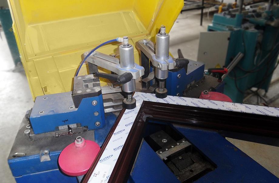 Оборудование по обработке алюминиевого профиля
